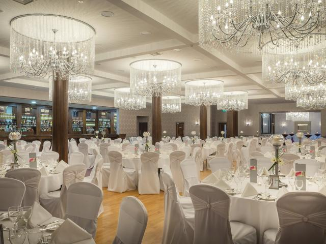 Our Stunning Balavaun Suite can cater for up to 340 guests