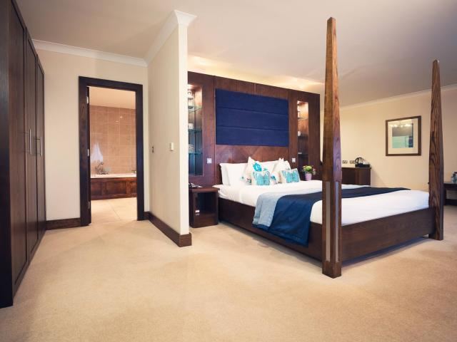 Our Junior Suites feature a built-in Jacuzzi, bathrobe and slippers